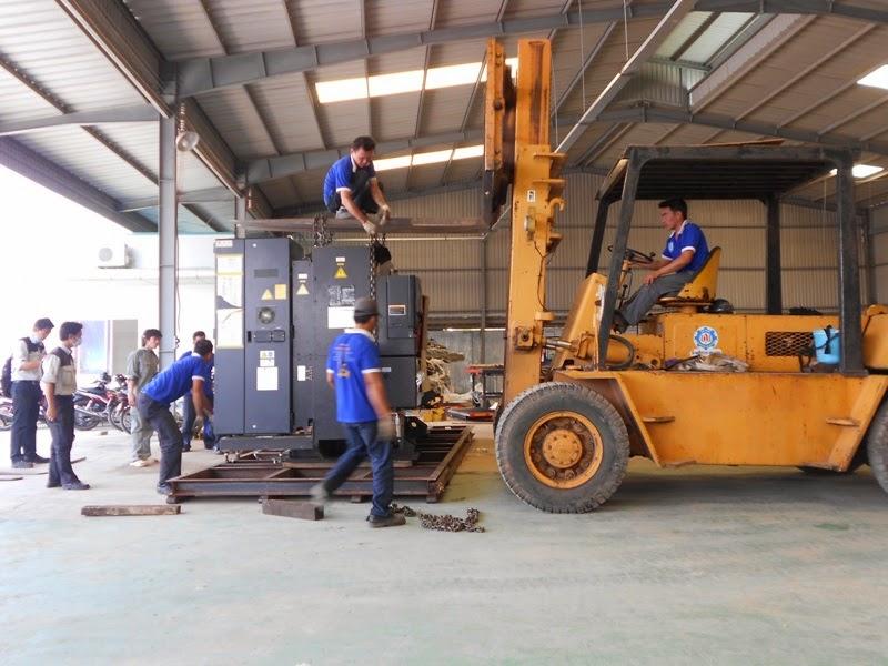 Dịch vụ chuyển kho xưởng trọn gói Hóc Môn